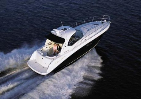 39-foot-searay-sundancer-speedboat waves