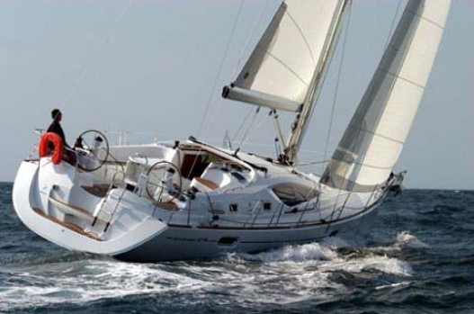 42-foot Jeanneau yacht waves