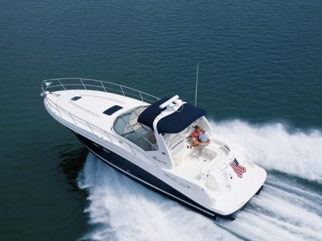 42-foot searay sundancer on waves