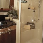 52-foot-Searay-Sedan-Bridge-bathroom