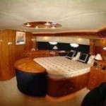 84- foot Sunseeker Manhattan bedroom